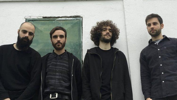 Banda quatroquatro - Fraca Canção